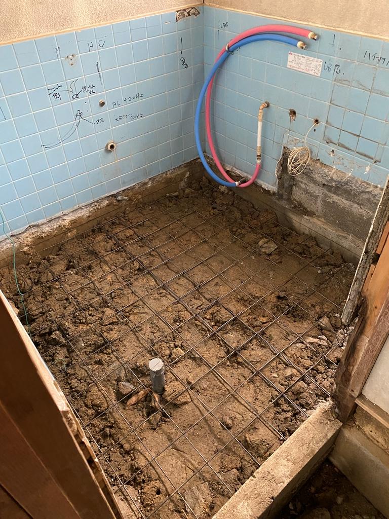 浴室基礎メッシュ筋敷設状況
