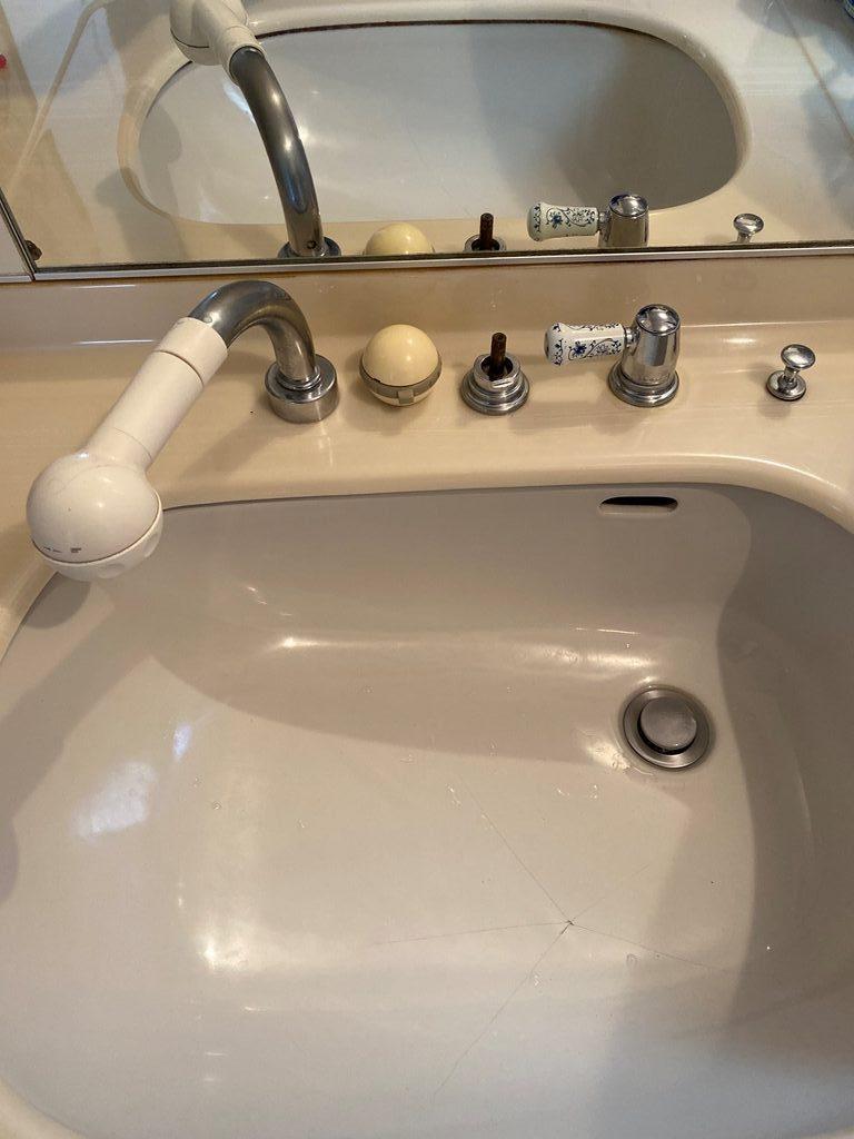 洗面台水栓取替え前写真