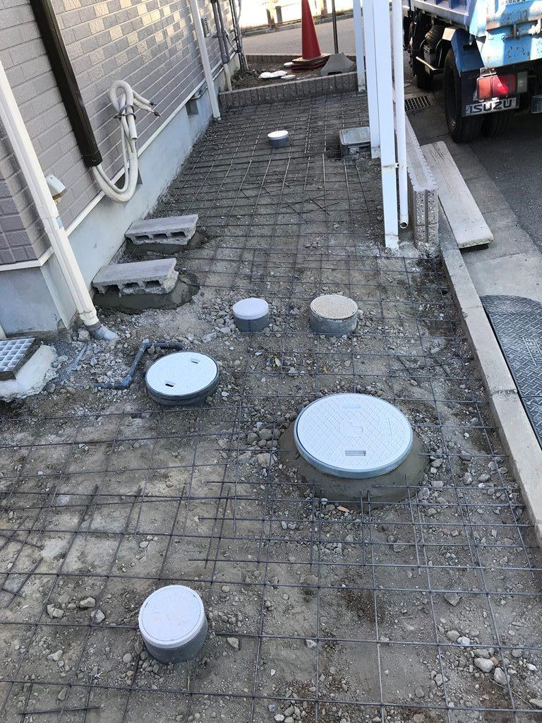 公共下水道接続工事メッシュ筋敷設