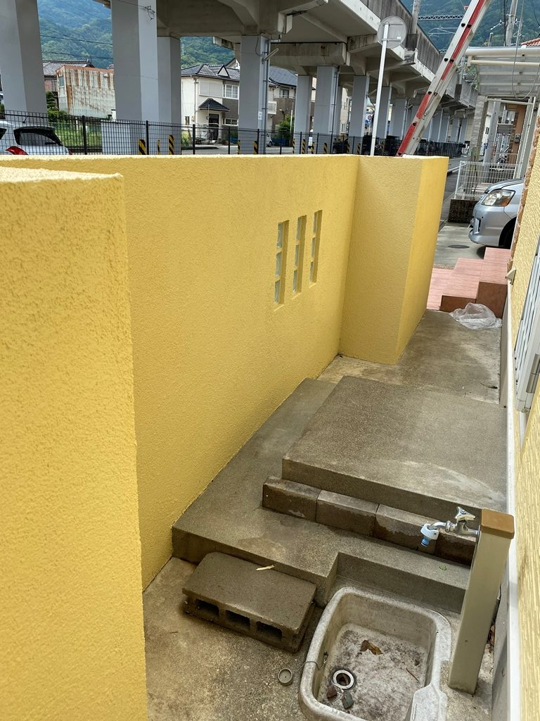 塀塗装工事完了写真
