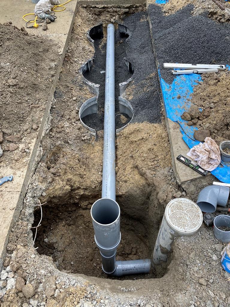 公共下水マスへの配管接続工事