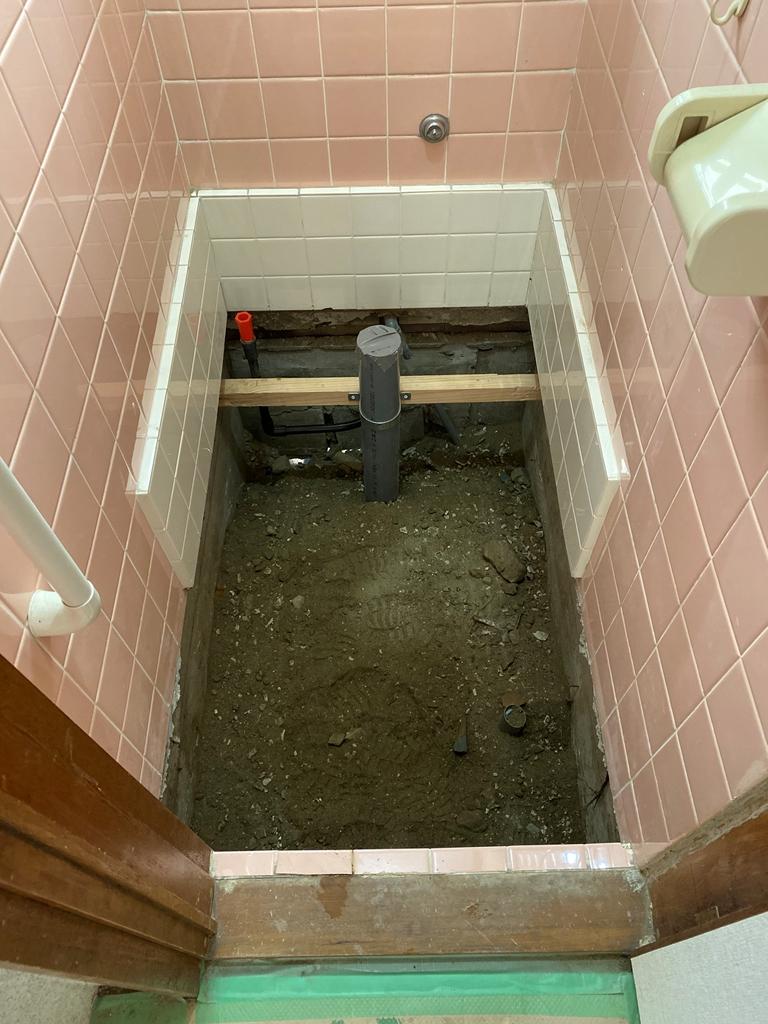 トイレ配管完了