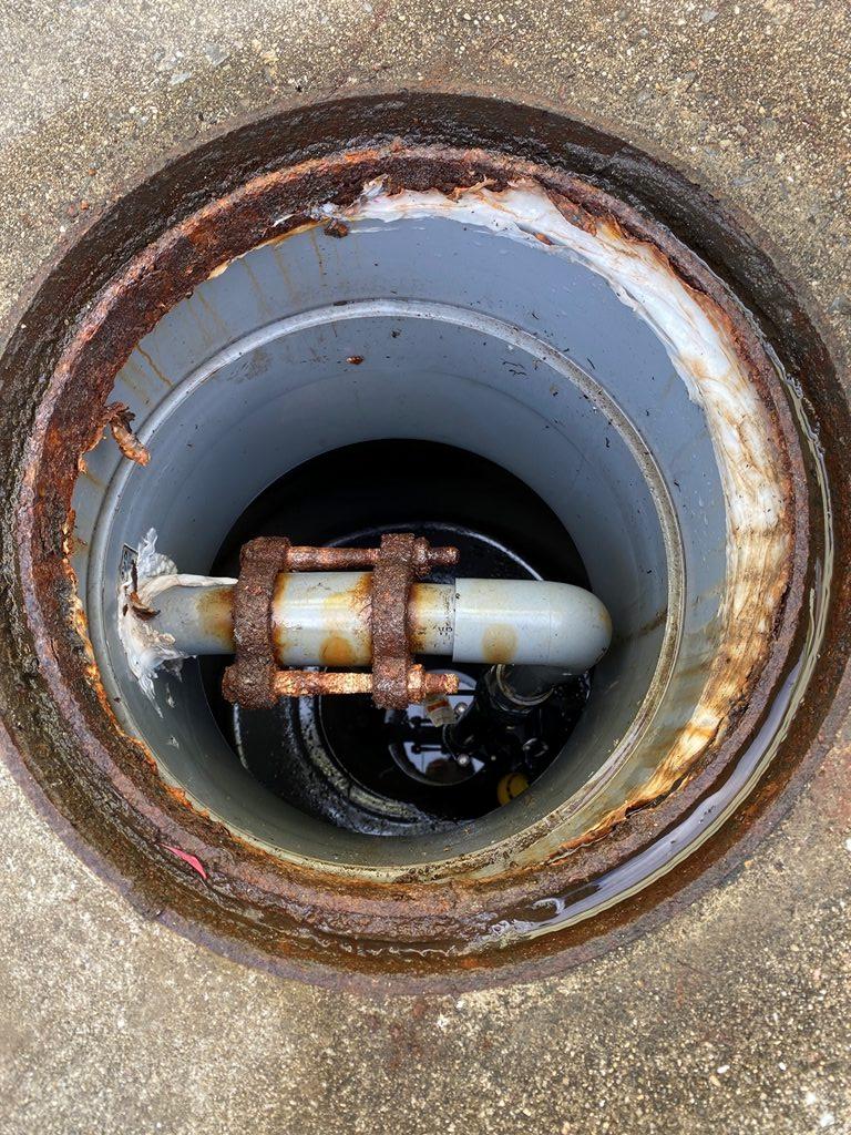 浄化槽放流ポンプ取替え前