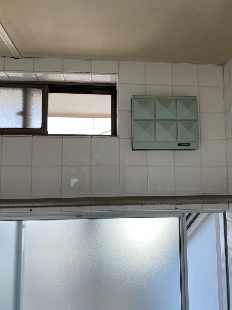浴室換気扇取替え前写真